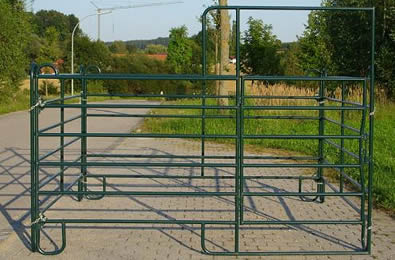 Green powder coated horse panel box without feeding place